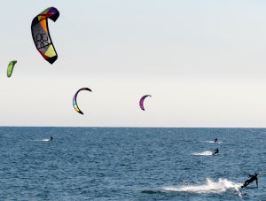 kiteboarding with the Best TS and other lightwind kites