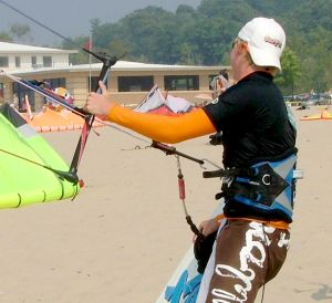 Flying hooked in to a kiteboarding harness